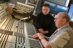 Andreas Hermeyer mit Hans Georg Brunner-Schwer im MPS-Studio (Villingen 2004)